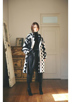oversized irregular pattern knit
